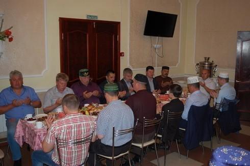 татарский меджлис в ресторане Русь