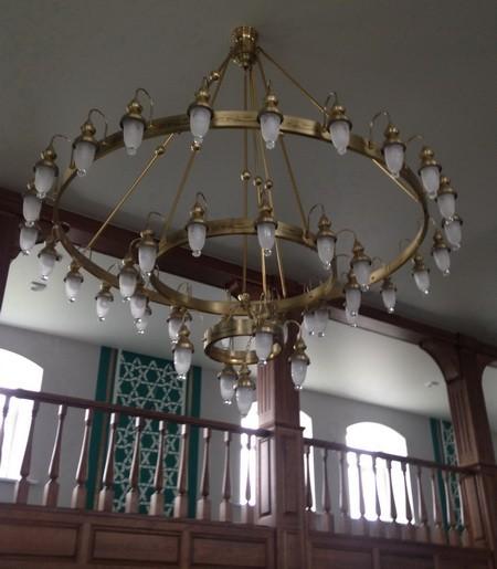 Дорогие люстры в мечети с.Шубино