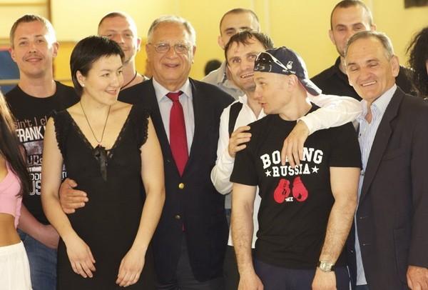 Зульфия Кутдюсова на открытие бойцовского клуба в Ницце